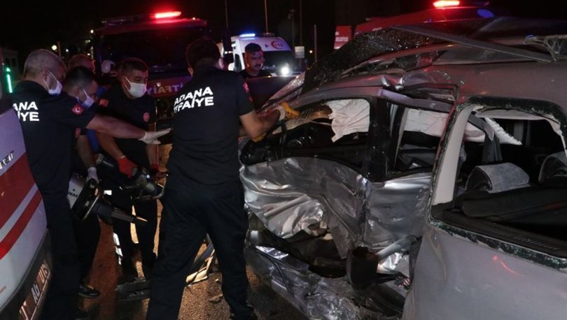 Adana'da otomobil ile minibüs çarpıştı: 1 ölü, 3 yaralı