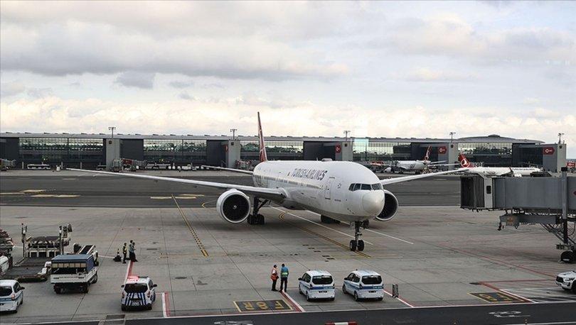 SON DAKİKA: Afganistan'dan tahliye edilen 357 yolcu, İslamabad aktarmalı İstanbul'a getirildi