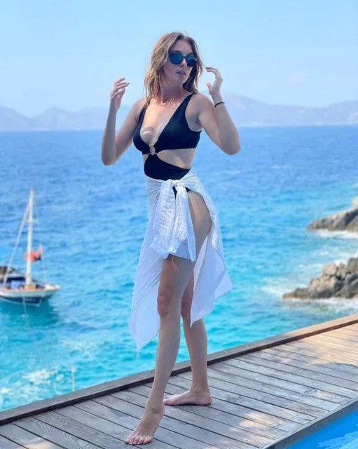Melis Sezen plajı podyuma çevirdi! - Magazin haberleri