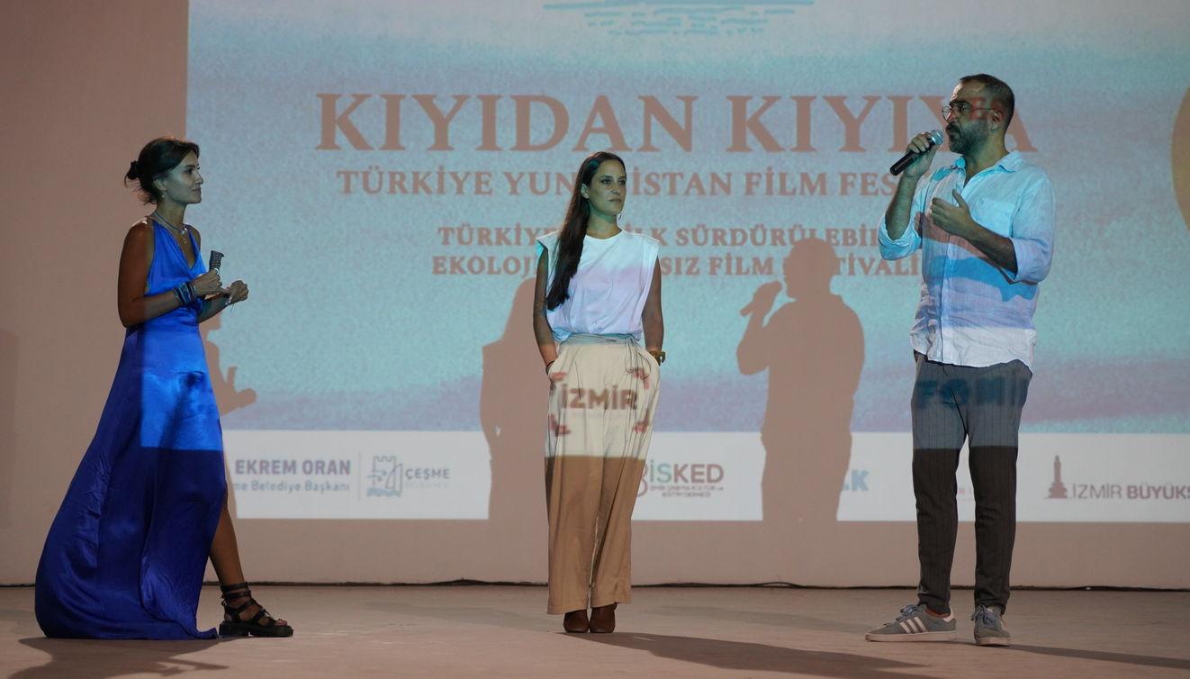 'Ghosts'un gösterimi sonrasında filmin yönetmeni Azra Deniz Okyay ile başrol oyuncusu Emrah Özdemir, izleyicilerden gelen soruları cevapladı.