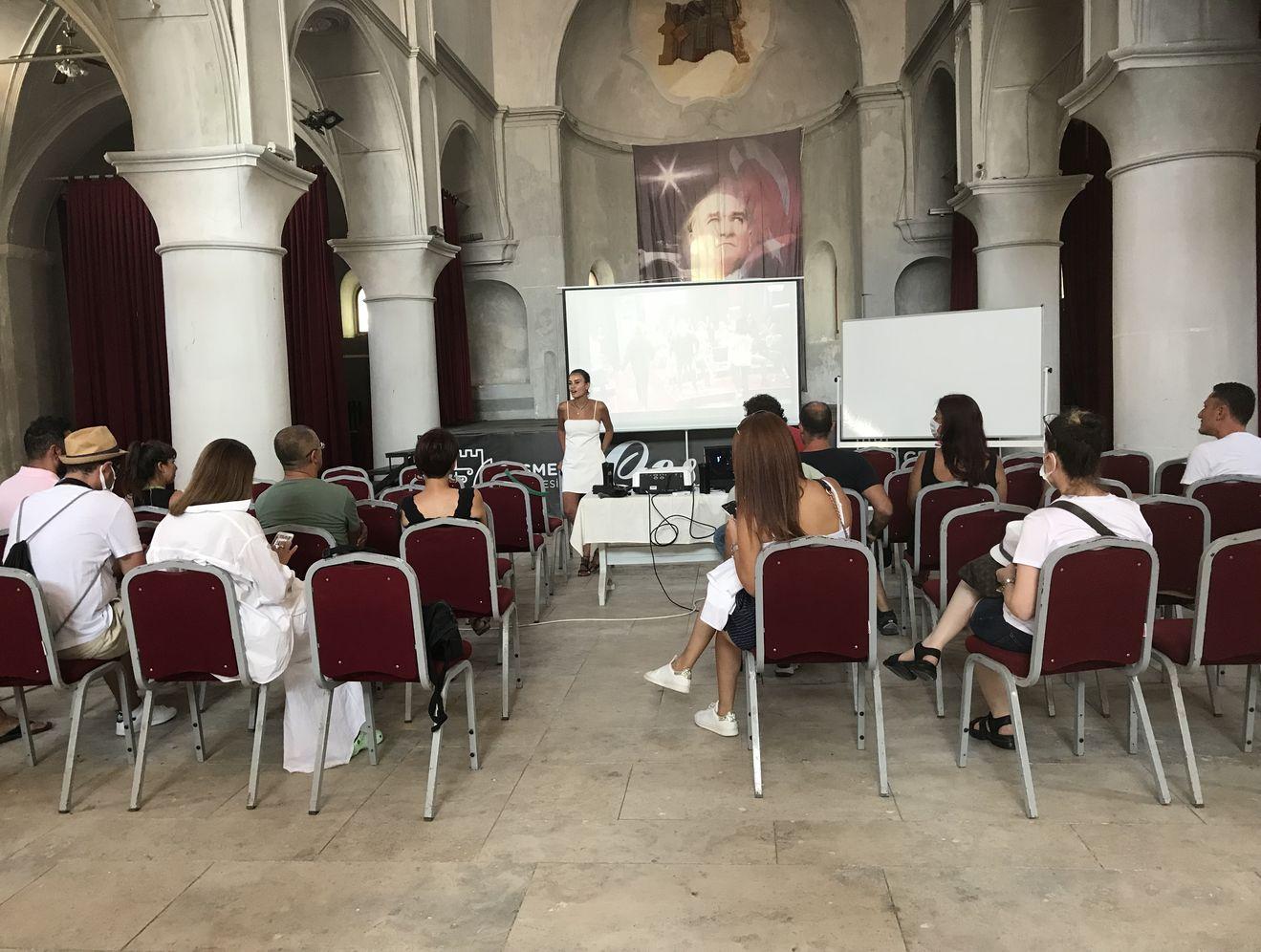 Gizem Erman Soysaldı'nın oyunculuk workshop'u büyük ilgi gördü.