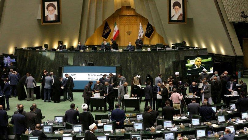 İran'da Cumhurbaşkanı Reisi'nin sunduğu kabine bir isim dışında güvenoyu aldı