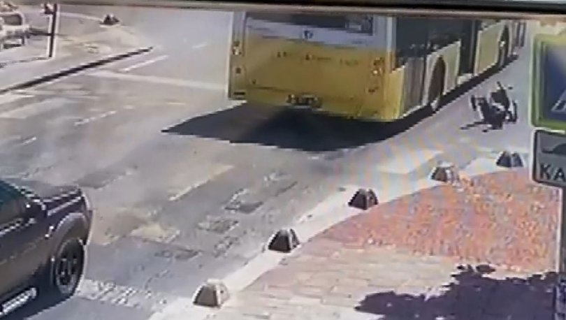 Feci kaza! Hareket halindeki otobüsten düşen kadın yaralandı - Haberler