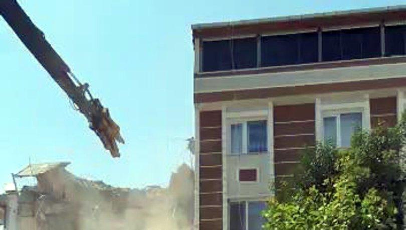 ÖLÜMDEN DÖNDÜ! Duvarı delen iş makinası evdeki köpeği öldürüyordu - Haberler