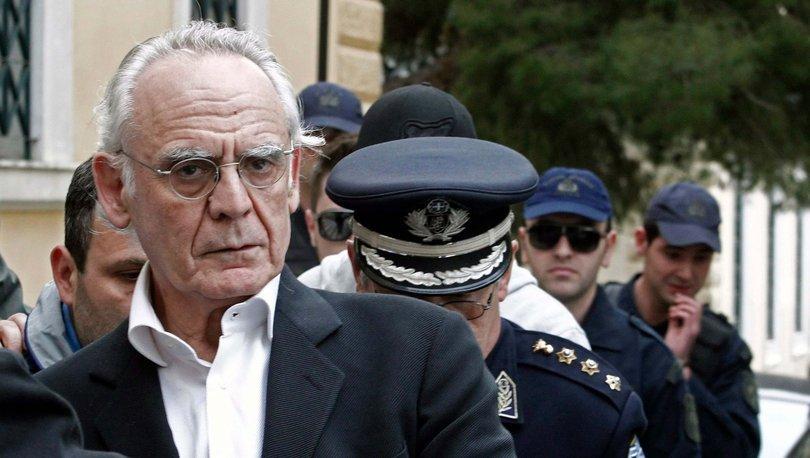 Yunanistan'ın eski Savunma Bakanı Akis Çohacopulos yaşamını yitirdi