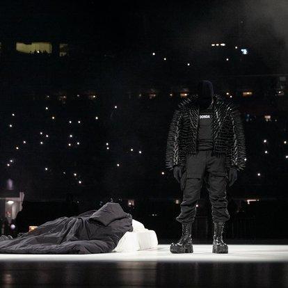 Kanye West'in yeni albümü Donda'yı bekleyenler, dikkat! Haberler