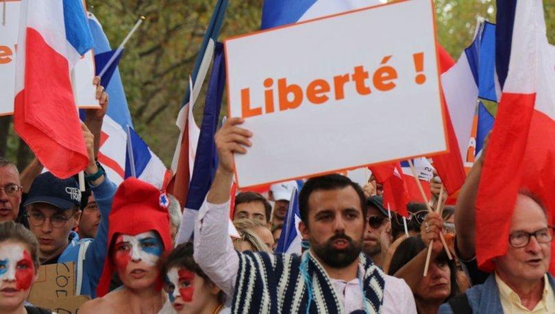 Fransa'da Kovid-19 aşı zorunluluğu karşıtları 7 haftadır gösteri düzenliyor