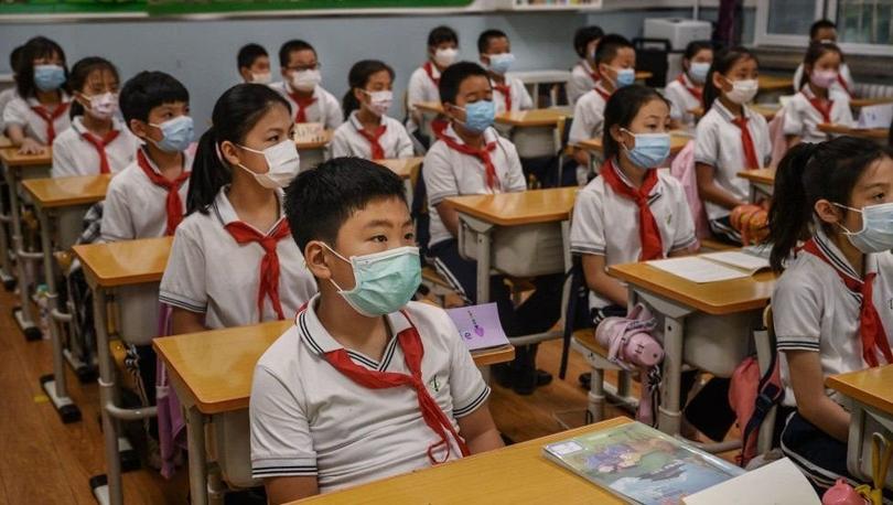 Çin'de 6 ve 7 yaşındaki öğrencilere yazılı sınav yapılması yasaklandı, 18 yaşından küçüklerin online oyun oynama süresi sınırlandırıldı