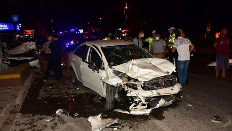 İzmir'de dört aracın karıştığı trafik kazasında 5 kişi yaralandı