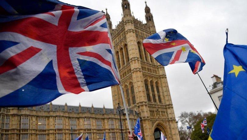 İngiltere İngiliz vatandaşlarının Afganistan'dan güvenli şekilde ayrılabilmeleri için Taliban'la görüştü