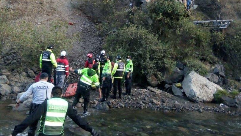 Peru'da otobüs uçuruma yuvarlandı: 17 can kaybı, 20 yaralı