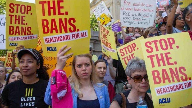 ABD'nin Teksas eyaletinde tartışmalı kürtaj yasağı yürürlüğe girdi