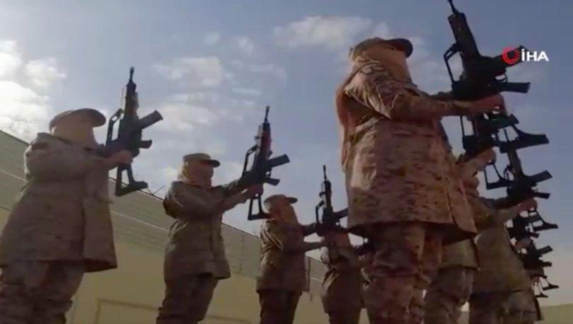 İLK DEFA... Son dakika: Suudi Arabistan'da kadın askerler göreve başladı