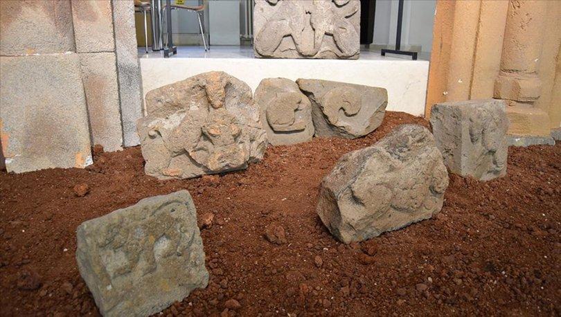 Ani'de bulunan asırlık aslan kabartmalı taşlar ziyarete açıldı