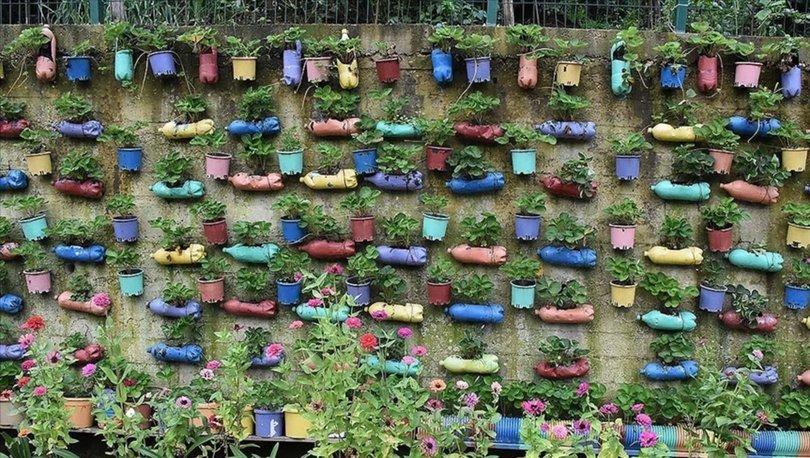 Atık malzemeleri değerlendirerek süslediği bahçesiyle hayali gerçekleşti