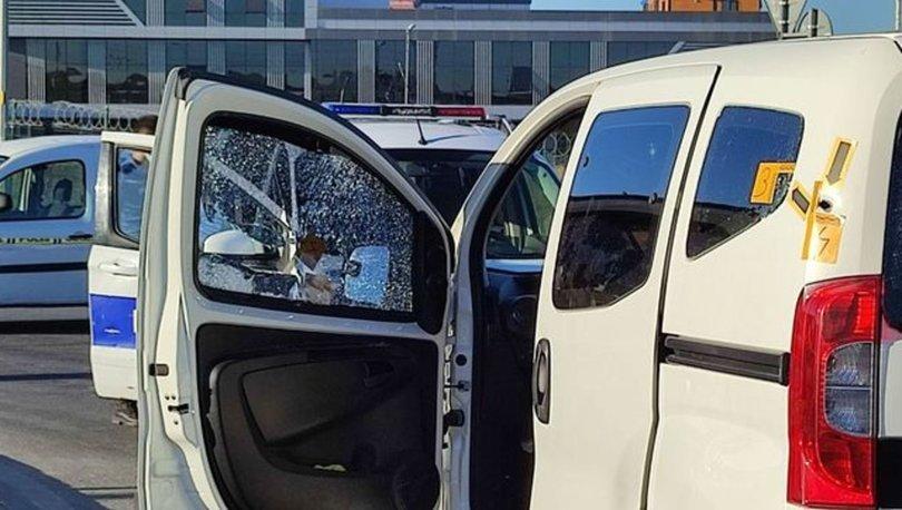 KORKUNÇ OLAY! Arnavutköy'de trafikteki bir araca kurşun yağdırdılar