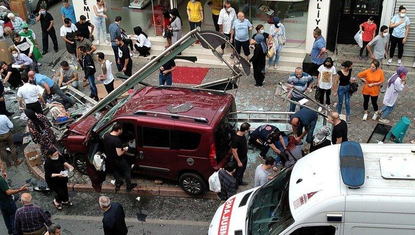 Son dakika haberi Kasımpaşa'da otomobil durağa daldı! 1 ölü, 7 kişi yaralı