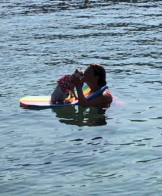 Esra Sönmezer, 'Bebek' ile tatilde - Magazin haberleri