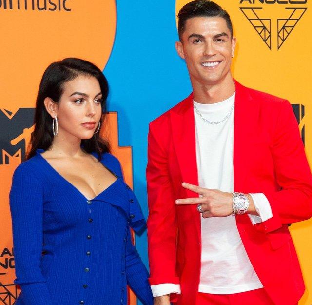 Georgina Rodriguez ile Cristiano Ronaldo'nun aşkları belgesel oluyor - Magazin haberleri