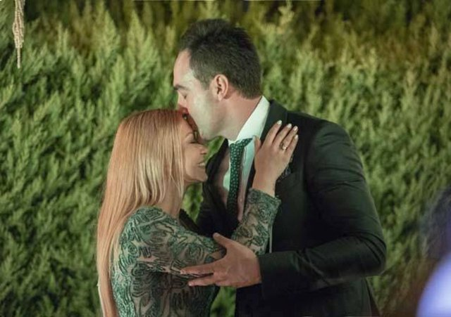Ece Seçkin ile Çağrı Terlemez'in düğün tarihi belli oldu - Magazin haberleri