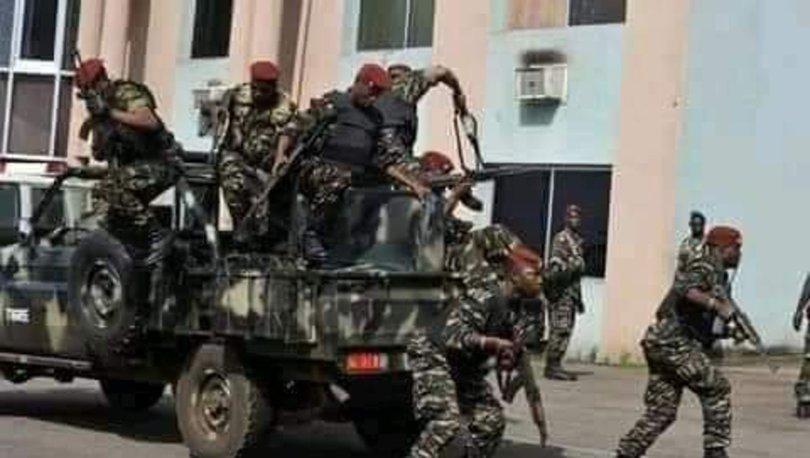 Gine'de askeri darbe sonrası sokağa çıkma yasağı ilan edildi