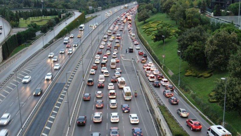 TRAFİK DURDU! Son dakika: İstanbul trafiğinde okul yoğunluğu! - Haberler