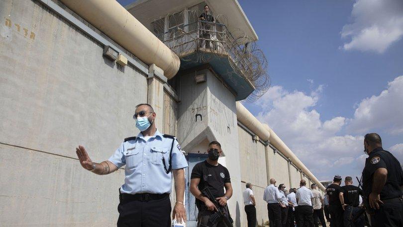 İsrail'deki yüksek güvenlikli bir hapishaneden, 6 Filistinli tutuklunun tünel kazarak kaçtığı bildirildi