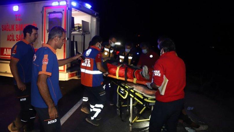 Van'da kaçak göçmenleri taşıyan minibüs takla attı: 1 ölü, 16 yaralı