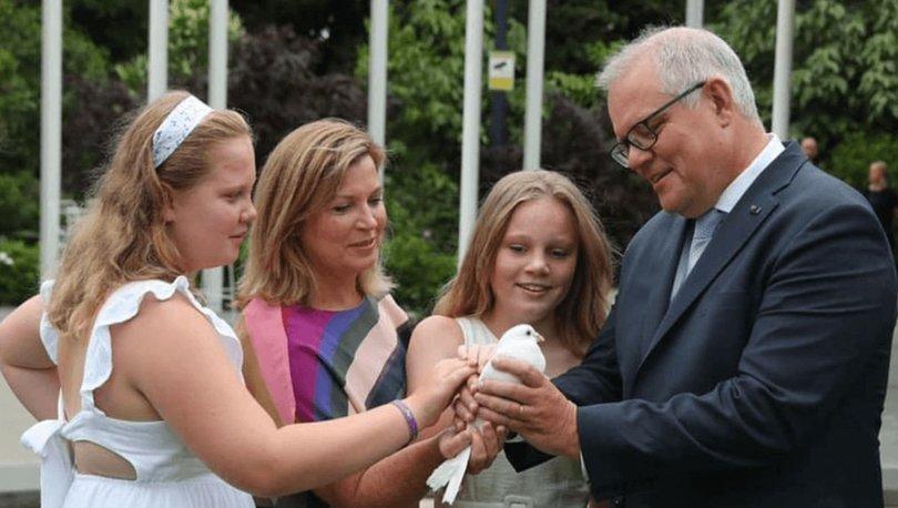 """Avustralya Başbakanı Scott Morrison, eleştirilerin ortasında """"Babalar Günü"""" gezisini savundu"""