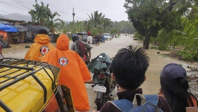 Filipinler'de etkili olan tayfun elektrik kesintisine neden oldu