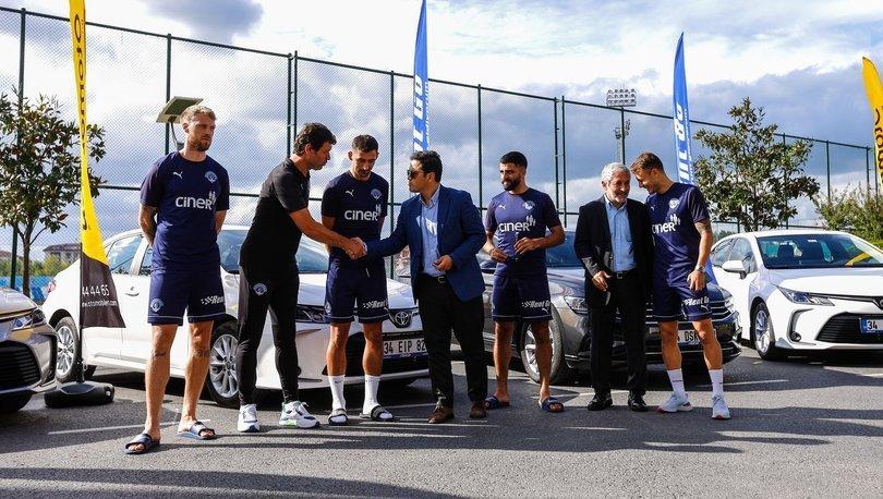 Kasımpaşa'da futbol A takımının şort sponsoru Rent Go oldu