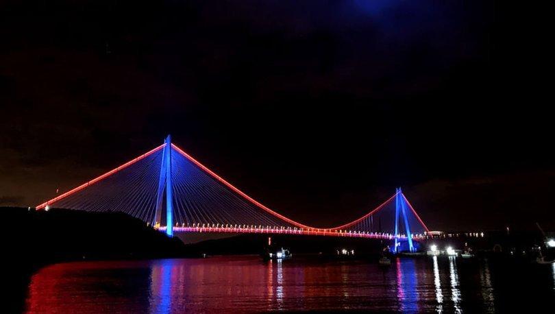 İstanbul'da köprüler DMD hastalığı için aydınlatıldı