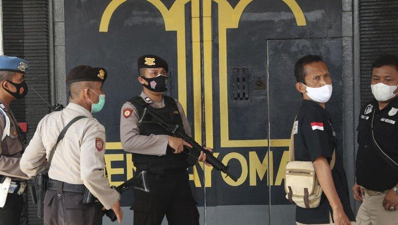 SON DAKİKA: Endonezya'da hapishanede yangın: Çok sayıda ölü var!