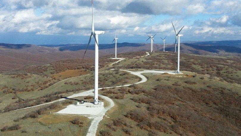 Bakan Dönmez, Türkiye'nin rüzgar enerjisi kurulu gücünün 10 bin megavatı aştığını bildirdi