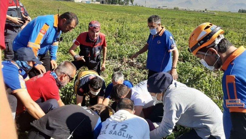 Hasandağı'ndan havalanan paraşütçü Niğde'de patates tarlasına düştü