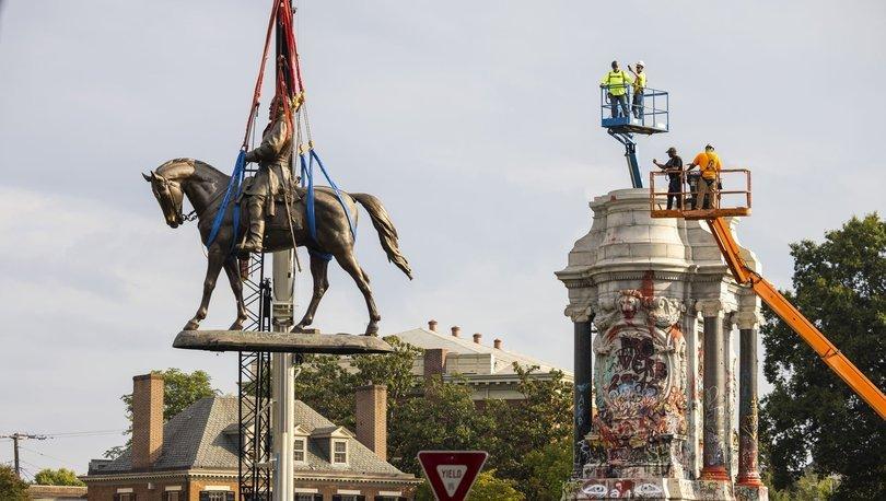 ABD'nin Virginia eyaletinde, kölelik yanlısı General Lee'ye ait tartışmalı heykel kaldırıldı