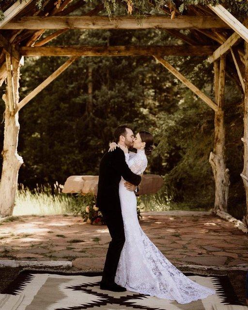 Lily Collins ile Charlie McDowell evlendi: Sonsuza kadar birbirimizin olduk! - Magazin haberleri