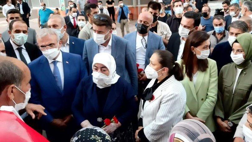 Binali Yıldırım'ın eşinden HDP il binası önündeki ailelere ziyaret