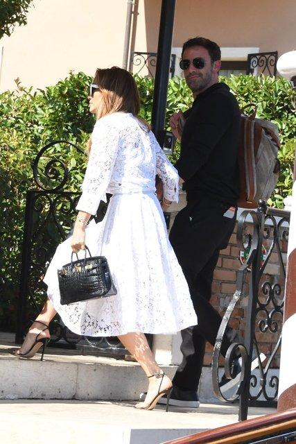 Jennifer Lopez ile Ben Affleck'in balkon romantizmi - Magazin haberleri