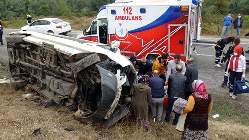 Bolu'da işçi servisi ile TIR'ın çarpışması sonucu 13 kişi yaralandı