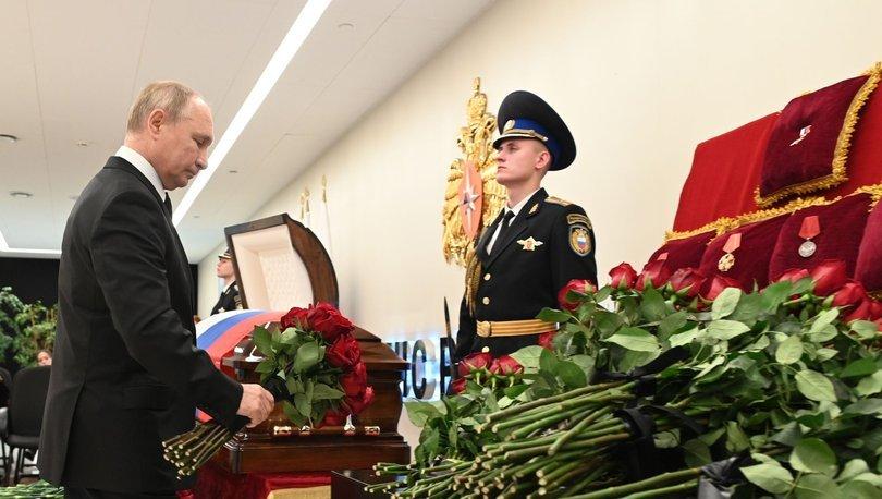 Putin, tatbikatta hayatını kaybeden Rus Bakan Ziniçev'in veda törenine katıldı