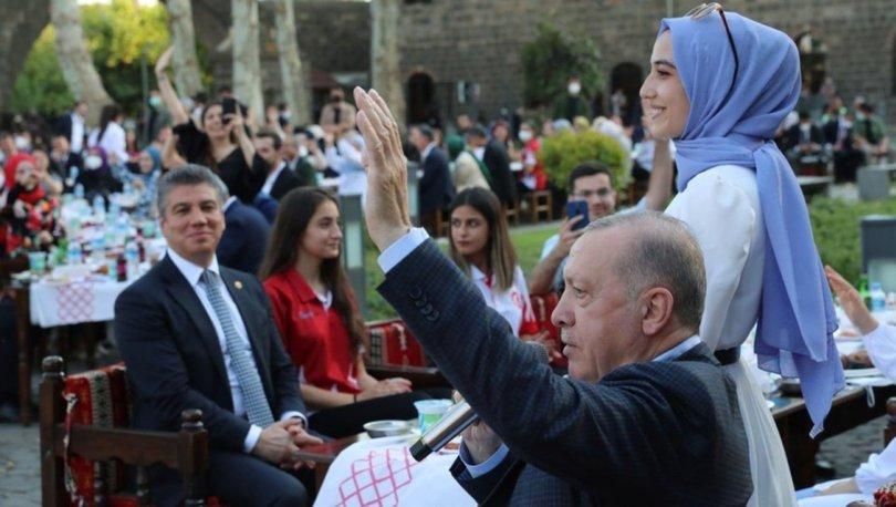 Cumhurbaşkanı Erdoğan, gençlerle buluştu - Son dakika haberleri