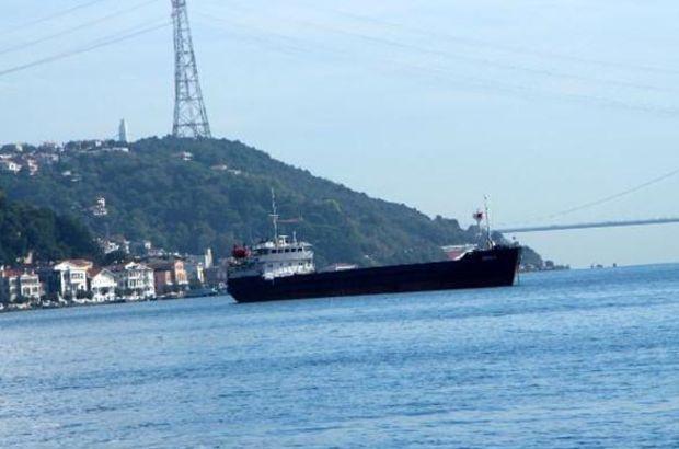 İstanbul Boğazı'nda yük gemisi arızalandı