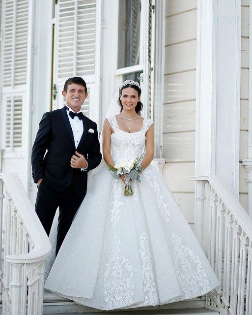 Fatoş Kabasakal Kayhan - Erkan Kayhan çifti düğünlerini yaptı - Magazin haberleri