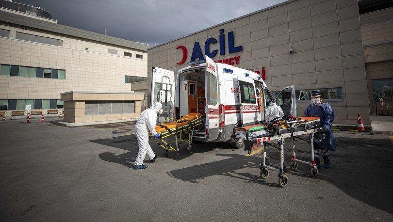 Servis aracı ile otomobil çarpıştı: 3 ölü! - Haberler