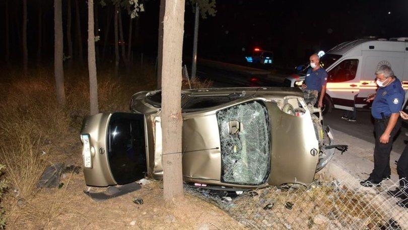 Düğünden dönenleri taşıyan otomobil şarampole devrildi: 4 yaralı