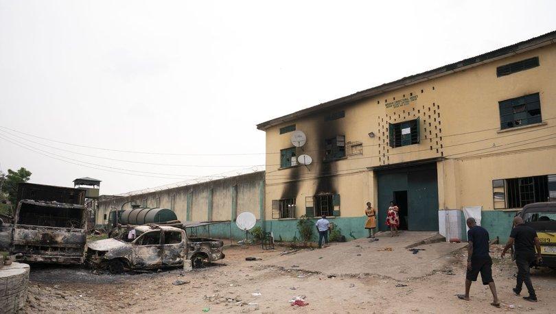 Nijerya'da bir günde üç olay: Askerî üsse düzenlenen silahlı saldırıda 12 kişi öldü