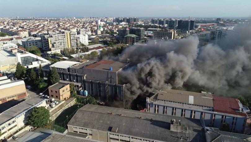 Son dakika... İstanbul Yenibosna'daki mobilya fabrikasında yangın çıktı