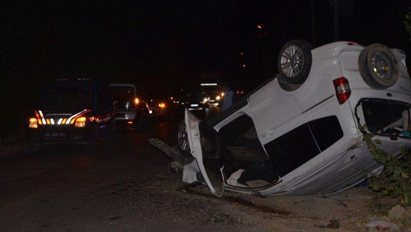 Konya'da kamyonet ile hafif ticari araç çarpıştı: 1 ölü, 2 yaralı
