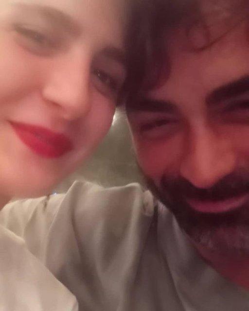 Taze aşıklar Sarp Levendoğlu ile Naz Çağla Irmak galada ortaya çıktı - Magazin haberleri